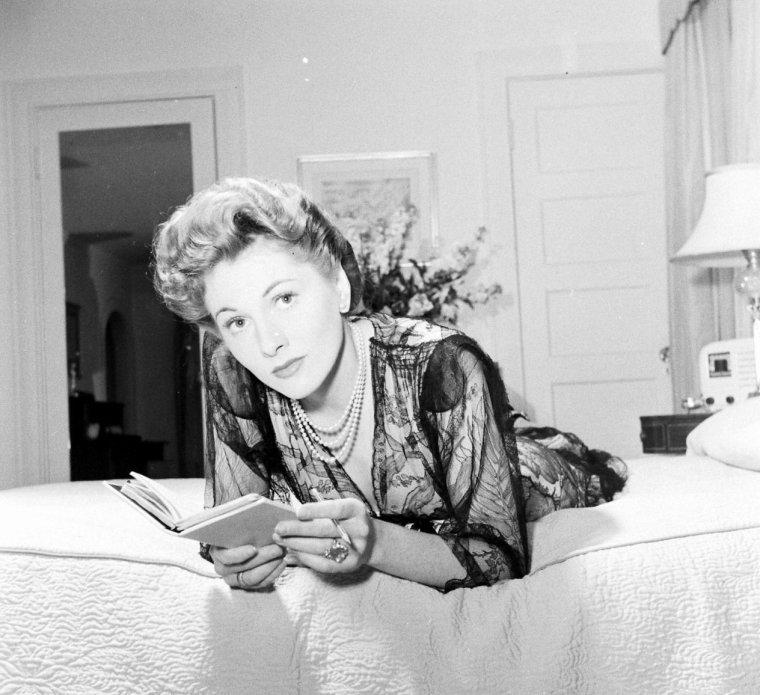 Joan FONTAINE sous l'objectif de Bob LANDRY en Mai 1942.
