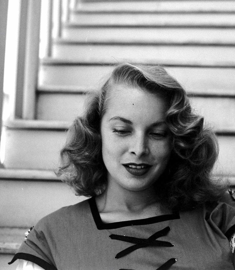 Janet LEIGH pose pour Allan GRANT le 7 Juillet 1950.