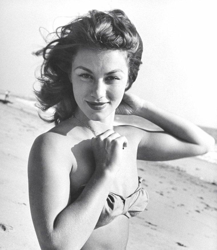 Linda CHRISTIAN vue par Bob LANDRY en 1945 et 1946 (pour les 2 dernières photos).