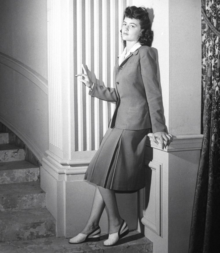 Dorothy MALONEY plus connue sous le pseudo de Dorothy MALONE pose pour John FLOREA à Hollywood en 1943.