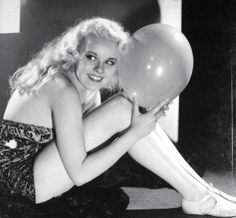 Joan MARSH 1938.