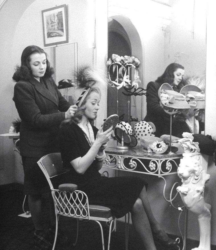 Barbara LAAGE en 1946 vue par Nina LEEN en France.