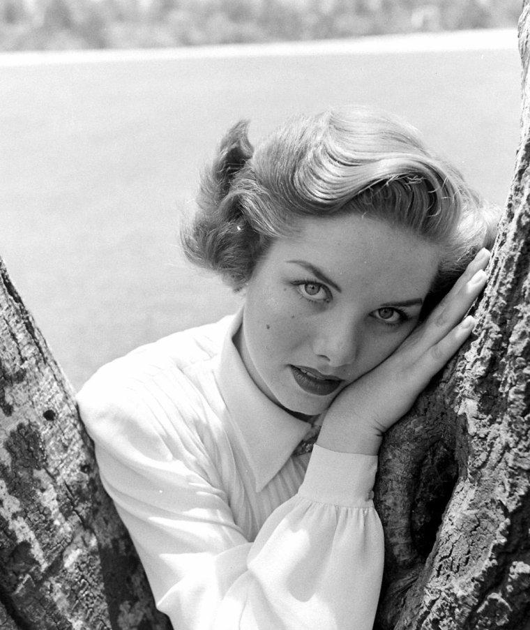 Colleen TOWNSEND sous l'objectif de Loomis DEAN en Août 1948.