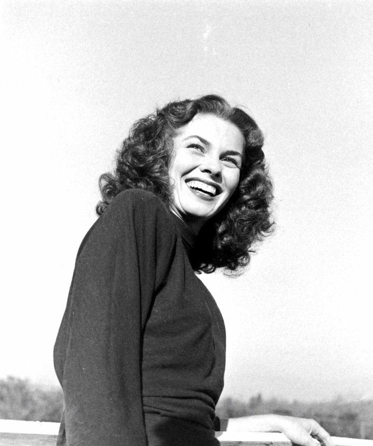 Joanne DRU en Janvier 1947 par Martha HOLMES.