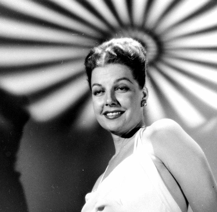 Ann SHERIDAN en Novembre 1947 par Allan GRANT.