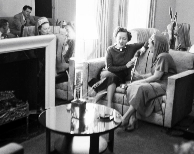 Une journée à Dallas le 11 Novembre 1949 avec Gloria SWANSON, sous l'objectif de Joe SCHERSCHEL.