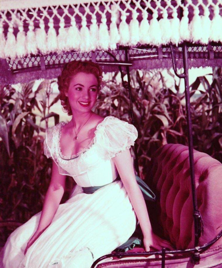 "Shirley JONES lors du tournage du film ""Oklahoma"" de Fred ZINNEMANN en 1954 sous l'objectif de J R EYERMAN."