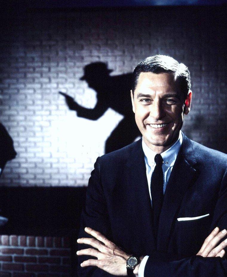 """Photos publicitaires de Lola ALBRIGHT et Craig STEVENS en Mars 1959 pour la série T.V. """"Peter Gunn"""" prisent par Ralph CRANE."""