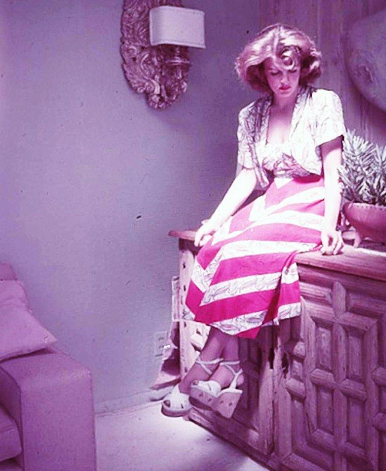 Corinne CALVET par Peter STACKPOLE.