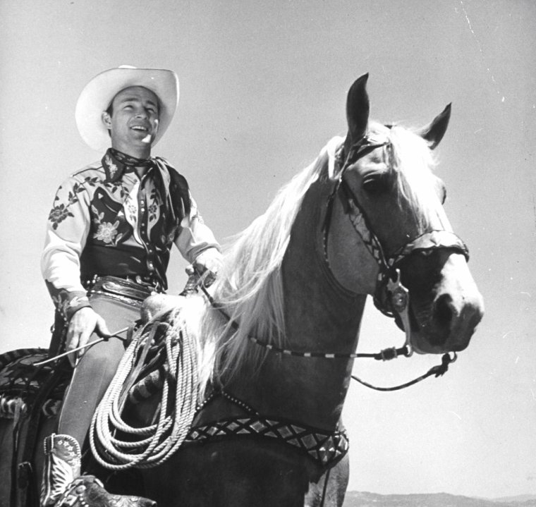 Roy Rogers - San Fernando Valley - Along The Navajo Trail