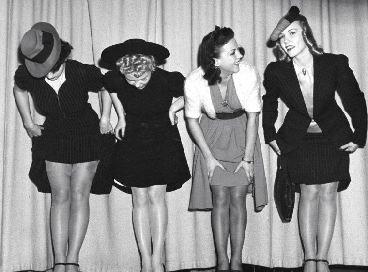 """En Novembre 1939 a lieu à Hollywood l'élection des """"plus belles jambes"""". Virginia GILMORE et d'autres starlettes y participent sous l'oeil de Peter STACKPOLE."""