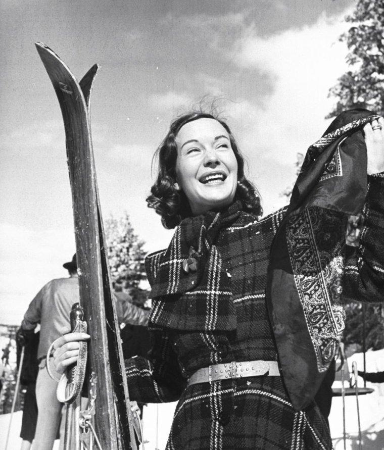 Sigrid GURIE en 1940 par Peter STACKPOLE.