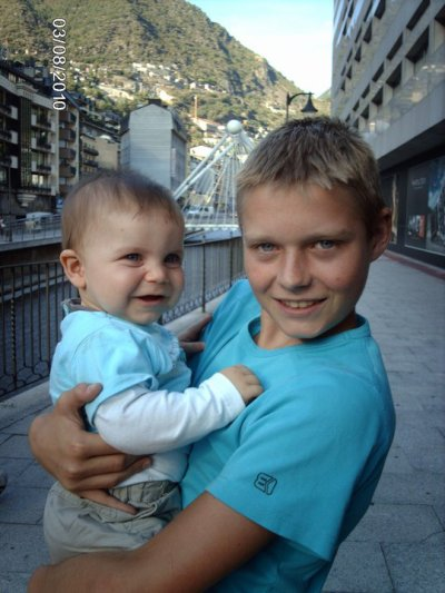 Mon neveu Ylan et son frere Loic !!!!!