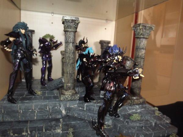 decor  renegat  avec les  figurines
