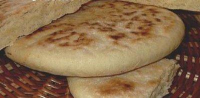 Recette tamtunt galette lev e kabyle blog de for Recette kabyle tikourbabine