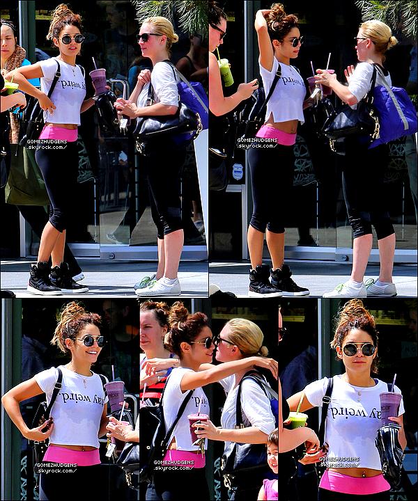 """18/08/13 - Quatrième concert pour """"Stars Dance Tour"""" à Saskatoon au Canada. Vos avis ? CET ARTICLE : Selena en concert, plus proche de ses fans que jamais (+) Vanessa de sortie avec son Austin et à la gym."""