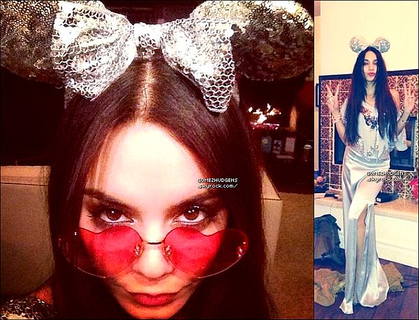 03/01/14 - Selena et Francia Raisa allant faire un peu de shopping dans Studio City. CET ARTICLE : Nouvelles sorties pour les filles (+) Jelena, le retour ? (+) Selena & Vanessa lors du réveillon de la St Sylvestre.