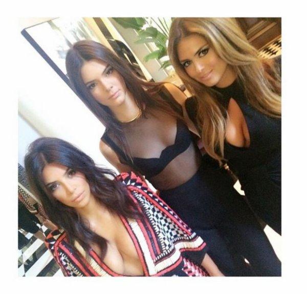 La petit photo famille avec Kim Kardashian et ses s½urs !