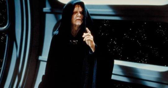 """JJ Abrams confirme le retour de l'empereur Palpatine dans """"Star Wars: The Rise of Skywalker"""