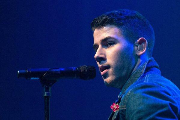 - Nick Jonas en live au Gramercy Theatre à New York !! -