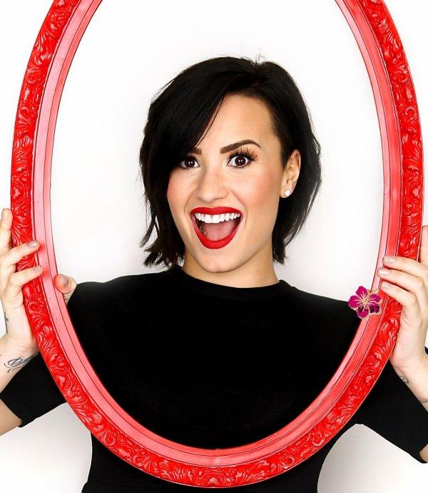 Photoshoot de Demi Lovato → Tout simplement parfaite et les couleurs sont époustouflantes !! TOP !!