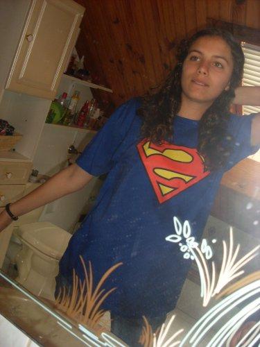 Quand t'as besoin d'aide , Super Women est là ! . Genre Super Man au féminin quoi ..