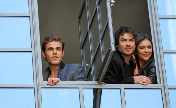 """""""The Vampire Diaries"""" Cast Spending Time with Fans"""