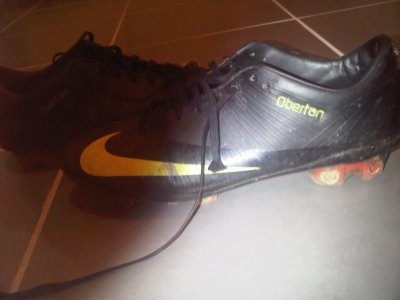 OBERTAN  MANCHESTER UNITED FRANCE WORN BOOTS