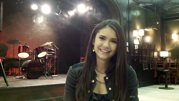 * Photo de Nina réalisée lors d'une interview sur le tounage de l'épisode 3x06.*