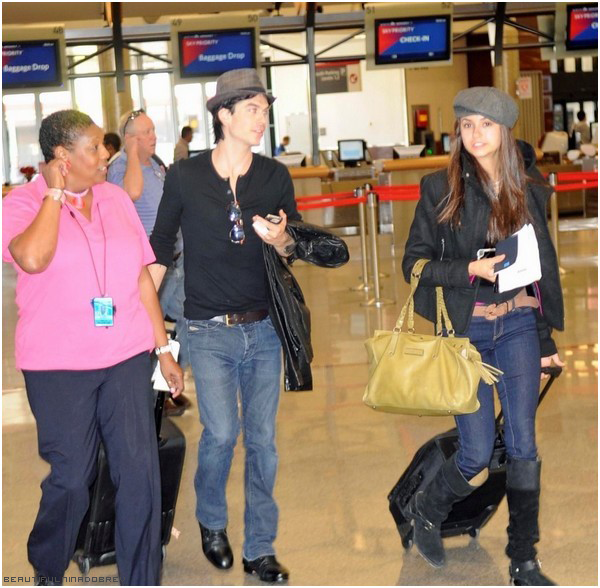 * 1er octobre : Nina & Ian à l'aéroport de Hartsfield-Jackson à Atlanta direction New-York.*