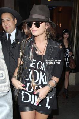 Découvrez un article rédigée par Demi Lovato dans Seventeen Magasine !