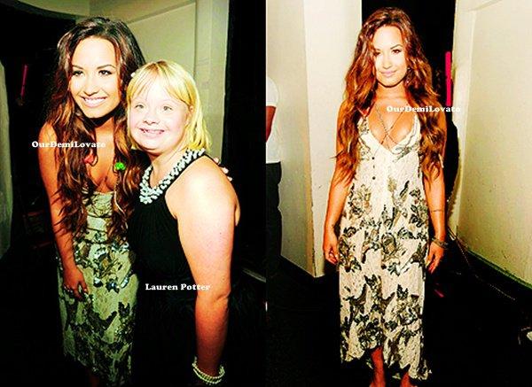 14.08.2011 : Demi Lovato au Do Something Awards