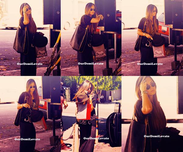 17.08.2011 : Demi Lovato quittant le salon Nine Zero One a Beverly Hills - CA