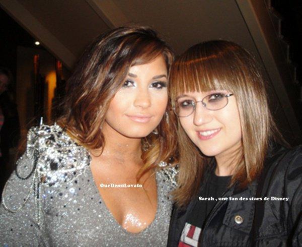 19.08.2011 : Demi Lovato a fêter son anniversaire avec Hannah Beth et la présence de tout ses amis -L'hôtel Roosevelt - ( LA )