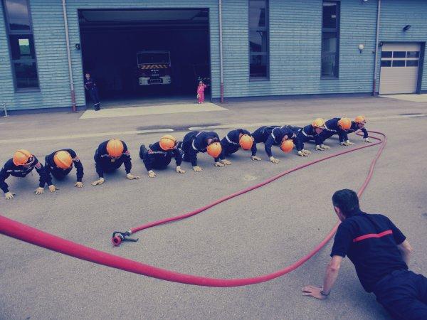 Être Jeunes Sapeurs-Pompiers ~ Apprendre pour servir .