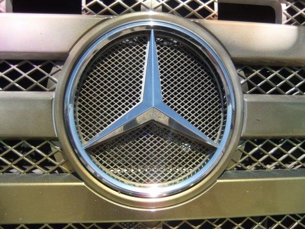 Mercedes !