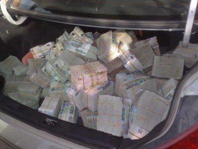 mon argent je suis riche je achté une vrais voiture luxe sport avec grand deux turbo