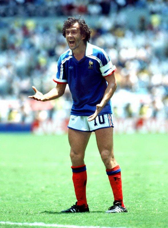 1986 michel platini lors de la coupe du monde 86 au mexique celui qui se perd dans sa - Coupe du monde mexique 1986 ...
