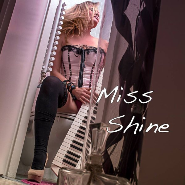 Miss Shine (Shooting 2014)