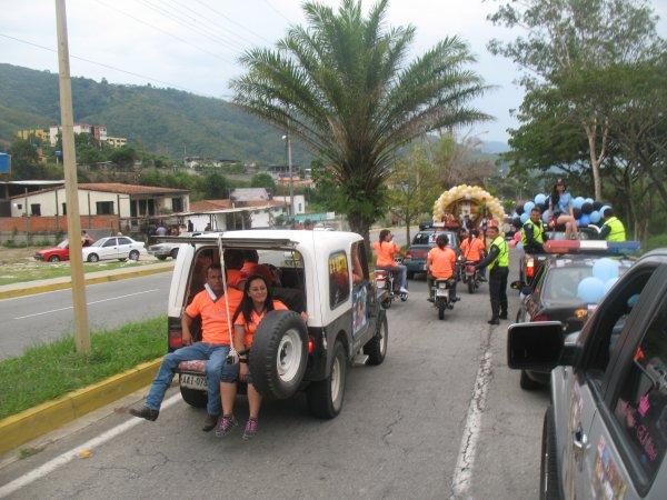 caravana  de los cuerpos de seguridad de tovar