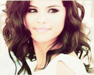 Les news de la semaine : Selena Gomez Veut être une bonne grande soeur Harry Styles lui ce met a la boxe ! :