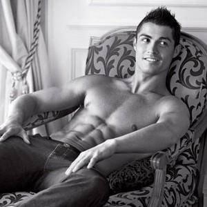 Cristiano Ronaldo élu Sportif le plus sexy de la planète !