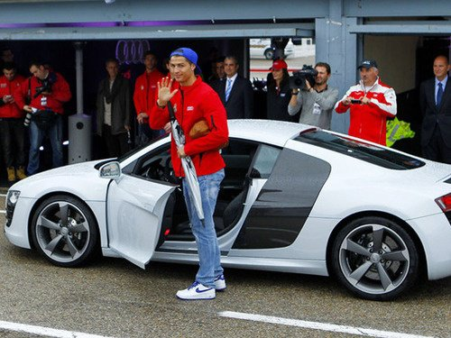 Cristiano, Karim, Mesut, Fabio lors de la réception d'Audi.