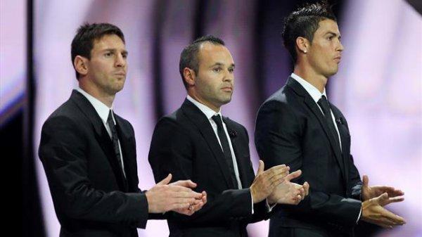 Ballon d'Or: Iniesta, Messi et Ronaldo, encore un clasico !