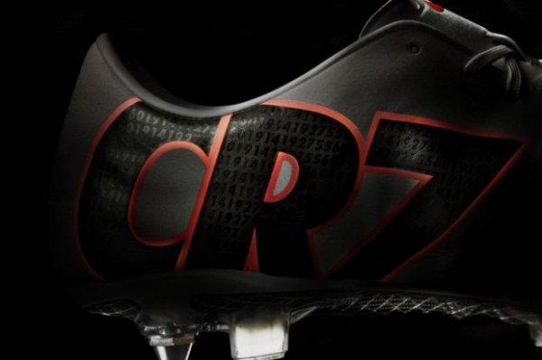 Nouvelles chaussures de Cristiano : Les CR Mercurial IX