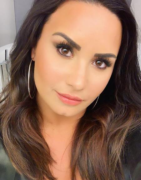 Nouveau selfie de Demi Lovato posté par elle meme sur instagram !♥