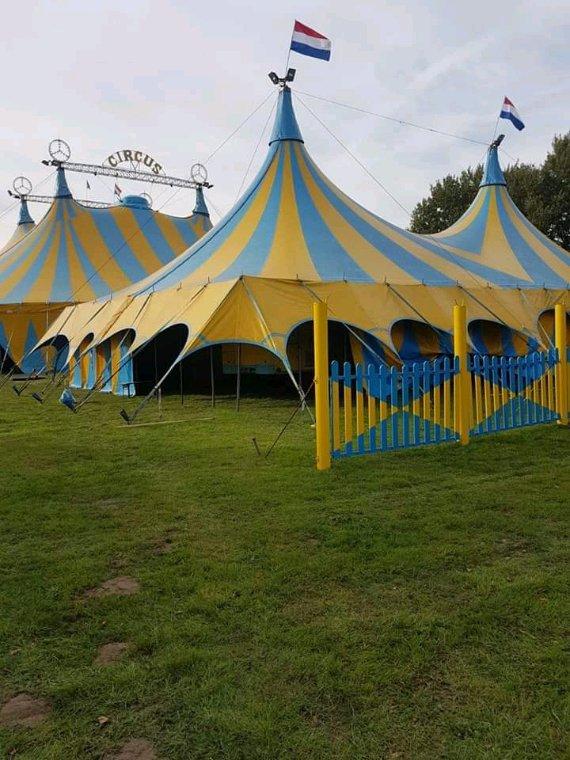 Circus Renz Berlin  frère du cirque Renz international  voyagent  au pays bas