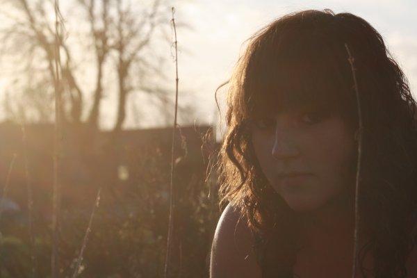 """Titre : C'est dans la boite !  Image : """"Soleil rosée"""" by Célyna Leroux   Musique :  Amanda's Love Song  ~  Amanda Seyfried"""