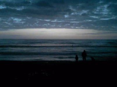 """Titre : """"Tout va bien, ne t'inquiète pas.""""  Image : """"Aurore d'hiver"""" by Célyna Leroux   Musique :  In die nacht  ~  Tokio Hotel"""