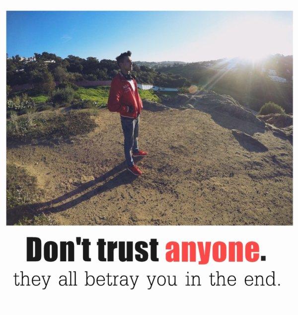 卌TRUST